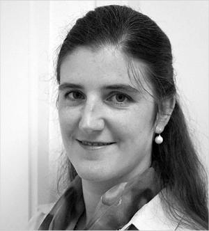 Dr. Kata Ilona Moser